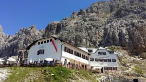 Rifugio Fronza alle Coronelle - Kölner Hütte - AbcAlberghi.com