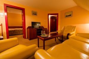 Hotel Bukowy Dworek Geovita, Отели  Лагув - big - 18