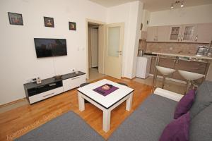 Apartment 18, Apartmány  Bijeljina - big - 6