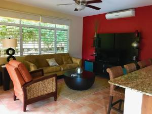 Grand Palm Villa, Villen  Brenas - big - 34