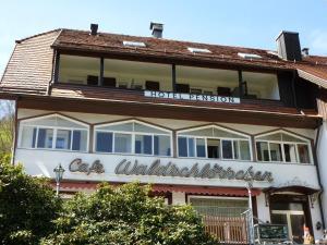 Waldschlösschen, Hotely  Bad Herrenalb - big - 44