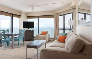 Deluxe One-Bedroom Suite- Disability Access
