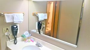 Pepper Tree Inn, Hotel  Beaverton - big - 6