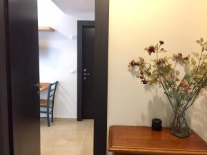 Kfar Saba Center Apartment, Апартаменты  Кфар-Сава - big - 39