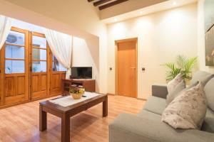 Ahro Suites, Apartmanok  Málaga - big - 55