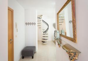 Ahro Suites, Apartmanok  Málaga - big - 51