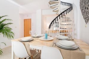 Ahro Suites, Апартаменты  Малага - big - 49