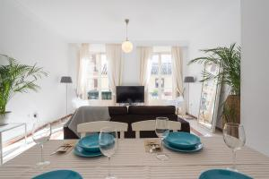 Ahro Suites, Апартаменты  Малага - big - 48