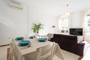 Ahro Suites, Апартаменты  Малага - big - 47
