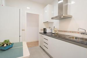 Ahro Suites, Апартаменты  Малага - big - 38