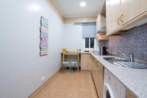 Ahro Suites, Apartmanok  Málaga - big - 30