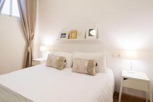 Ahro Suites, Апартаменты  Малага - big - 21