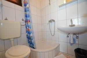 Apartments CICO Starigrad Paklenica, Ferienwohnungen  Starigrad-Paklenica - big - 25