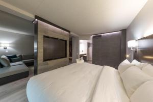 Studio Suite with King Bed - Double