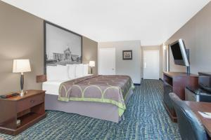 Super 8 by Wyndham Oklahoma City, Hotely  Oklahoma City - big - 2