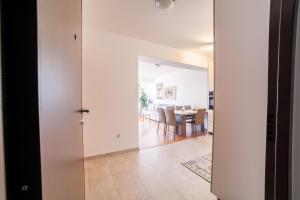 Apartman Marija, Apartments  Budva - big - 6