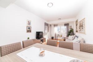 Apartman Marija, Apartments  Budva - big - 17