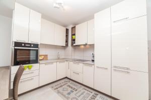 Apartman Marija, Apartments  Budva - big - 25