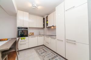 Apartman Marija, Apartments  Budva - big - 30