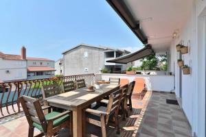 Dream Vacation, Apartments  Podstrana - big - 2