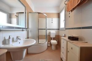 Dream Vacation, Apartments  Podstrana - big - 9