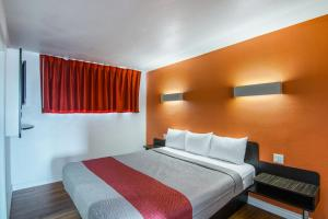 Deluxe King Room with Two King Beds - Non-Smoking