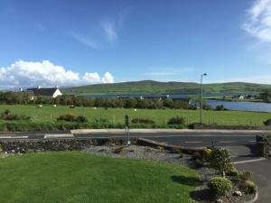 Tower View B&B, Bed and Breakfasts  Dingle - big - 33