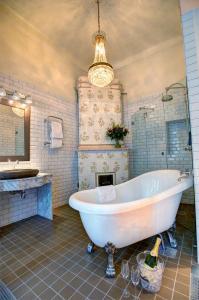 Deluxe-dobbelt-/2-personersværelse med badekar