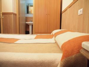 Economy Double with Private Bathroom with no views