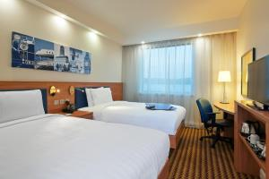 Hampton by Hilton Luton Airport (13 of 24)