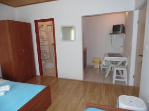 Apartments CICO Starigrad Paklenica, Ferienwohnungen  Starigrad-Paklenica - big - 42