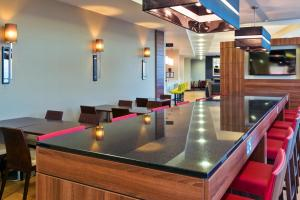 Hampton by Hilton Luton Airport (14 of 24)