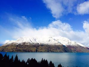 Queenstown Lakeview Holiday Ho..