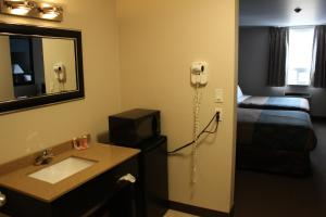 Econo Lodge Sudbury, Hotely  Sudbury - big - 13