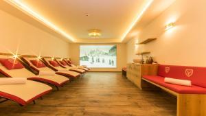 Hotel Hirschen - Grindelwald, Отели  Гриндельвальд - big - 39