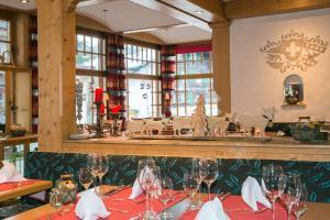 Hotel Hirschen - Grindelwald, Отели  Гриндельвальд - big - 40