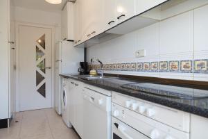 UHC Rhin-Danubio Apartments, Apartments  Salou - big - 31