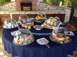 Villa Azolata B&B, Bed and Breakfasts  Partinico - big - 21