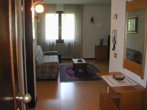 Casa Collini, Apartments  Pinzolo - big - 32