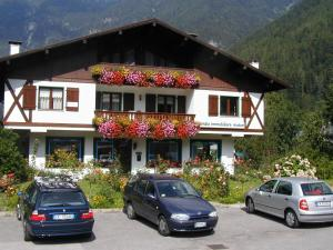 Casa Collini, Apartments  Pinzolo - big - 1