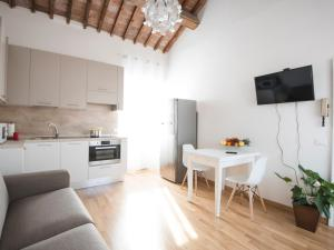 Adua Apartments ItalianFlat - AbcAlberghi.com