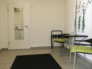 City-Hotel-Garni-Diez, Отели  Диц - big - 43
