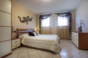 Residence Raffaello, Apartmanok  Padova - big - 6