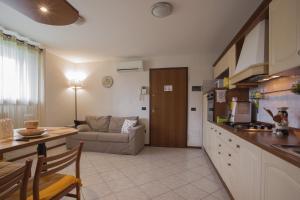 Residence Raffaello, Apartmanok  Padova - big - 8