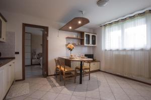 Residence Raffaello, Apartmanok  Padova - big - 16