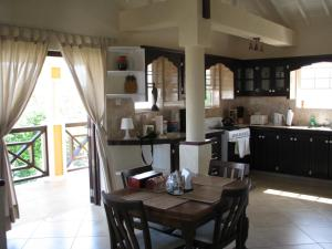 Apartments in Maya's Bajan Villas, Appartamenti  Christ Church - big - 7