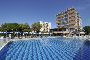 Hotel Palace, Отели  Бибионе - big - 1
