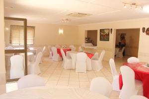 Etuna Guesthouse Court, Vendégházak  Ongwediva - big - 24