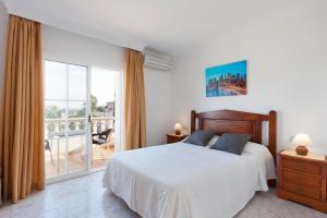 Llebeig-Palmeras, Holiday homes  Urbanicacion ses palmeres - big - 16
