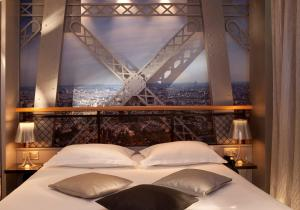 Double Room Tour Eiffel with Spa Bath